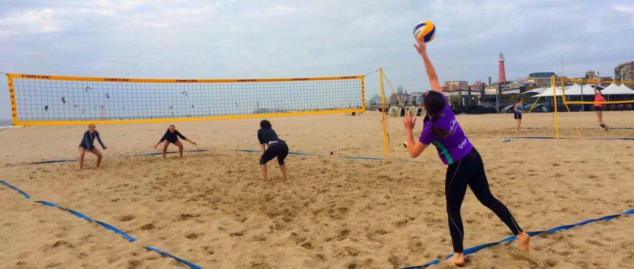 zomertrainingen beachvolleybalschool den haag